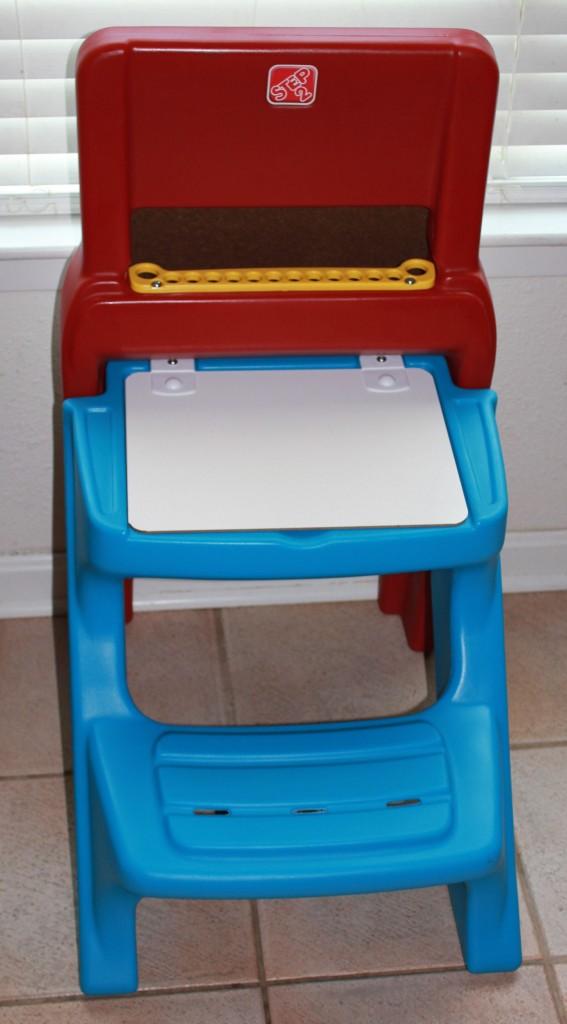 step2 art desk easel