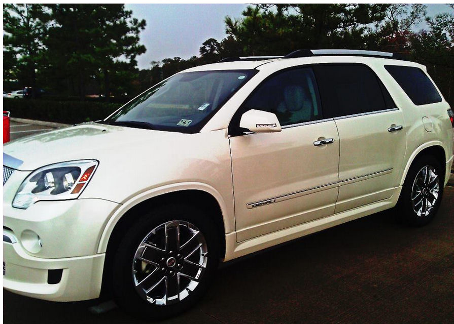 my new ride gmc acadia denali simply being mommy. Black Bedroom Furniture Sets. Home Design Ideas