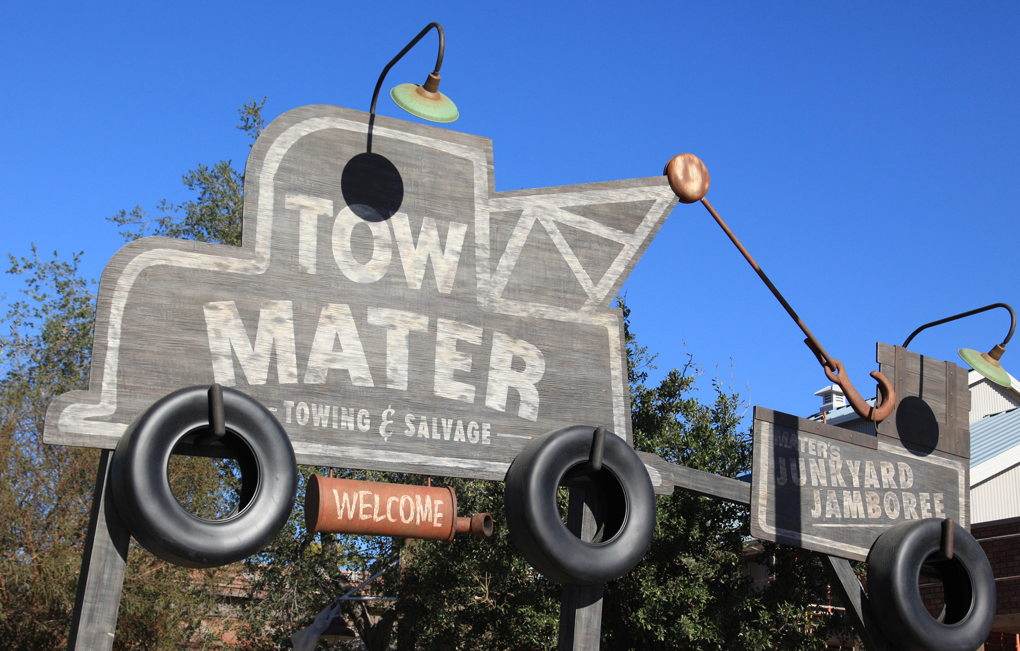 Mater\'s Junkyard Jamboree | A Cars Land Experience | Simply Being ...