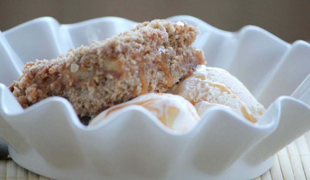 caramel apple streusel squares
