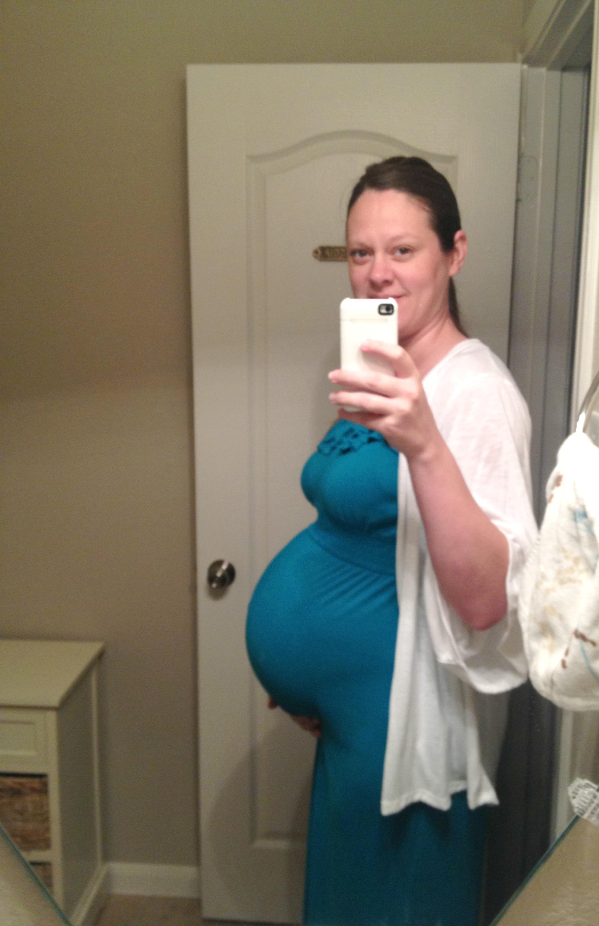 Kelly divine pregnant