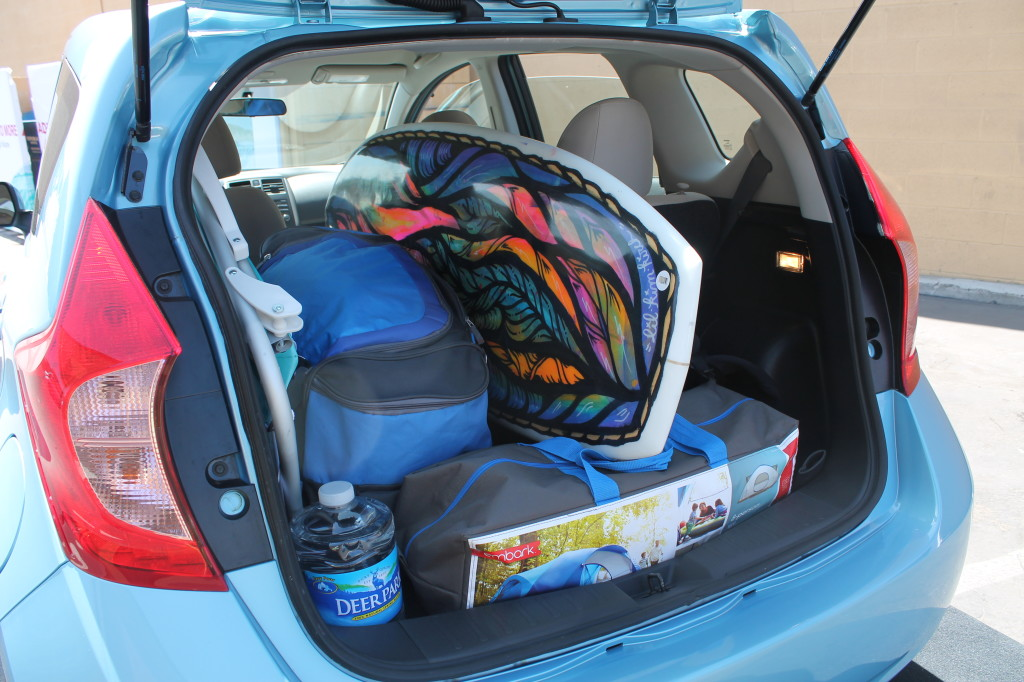 2014 nissan versa note trunk