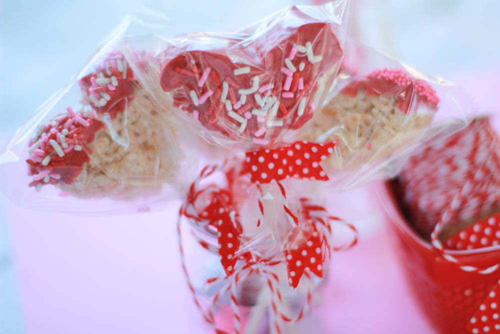 heart shaped rice krispies pops