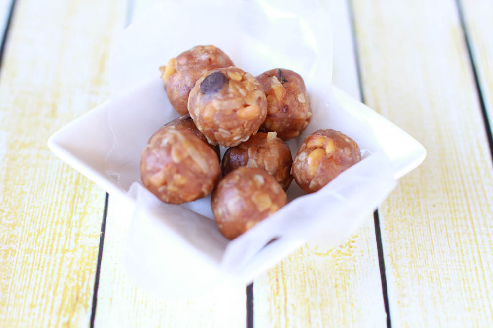 This Peanut Butter Chocolate Coconut Bites recipe is super simple to make, requires minimal ingredients and kids love them.