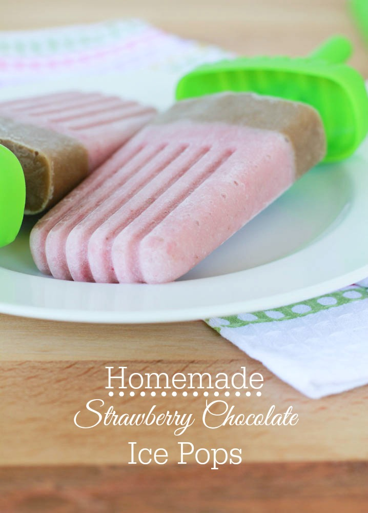 The warm weather calls for these Homemade Strawberry Chocolate Ice Pops! Get the super, easy recipe here.