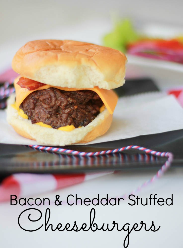 Get your hands on these Bacon & Cheddar Stuffed Cheeseburgers! Your taste buds will thank you!