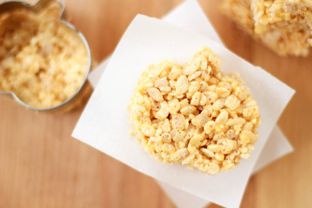 The cooler temperatures are here and we're celebrating with Pumpkin Spice. If you love Rice Krispies, you'll love these Pumpkin Spice Rice Krispies Treats.