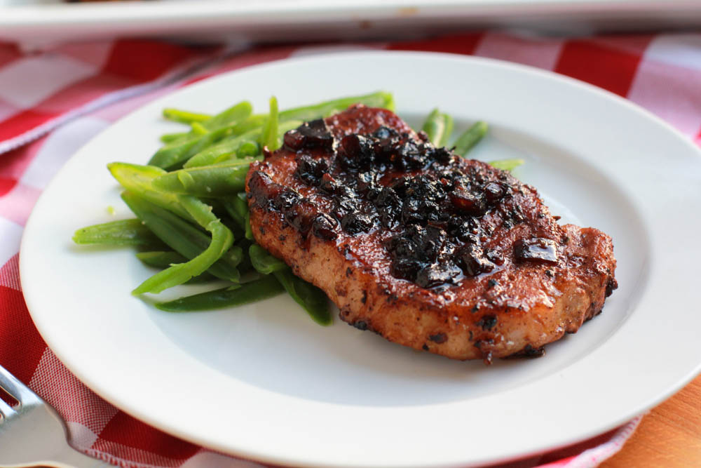 Balsamic Glazed Pork Loin Chops | The perfect way to cook pork loin.