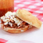 Slow Cooker Buffalo Pulled Pork Sandwiches