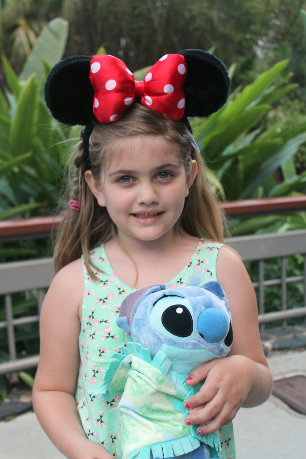 Vacationing at Disney requires much planning and preparation. Do you want to stay on property or off property? Here are 5 reasons to stay at a Disney resort property when visiting Disney.