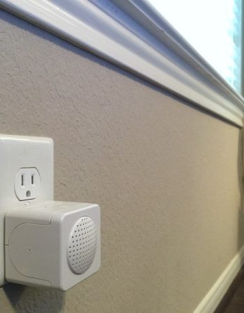 Simply plug in the Kidde RemoteLync Monitor into a single unit in your home and it will listen for any UL listed smoke or CO alarm and immediately alert you that there is a problem.