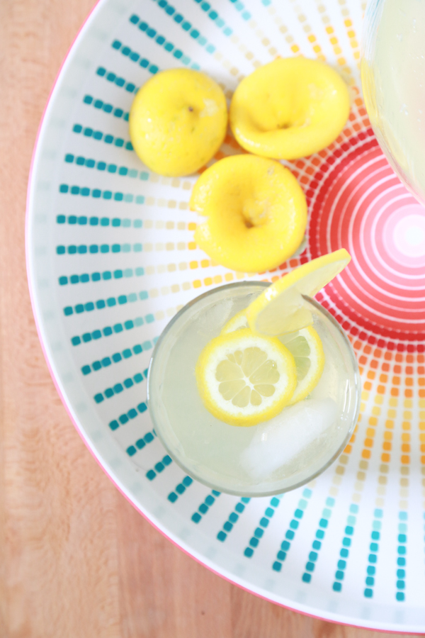 When the weather is hot outside, cool down with a refreshing cup of this Sugar-Free Homemade Lemonade.