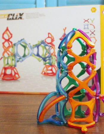 STEM Toys for Kids | PowerClix offers a fun way for kids to experience STEM at home.