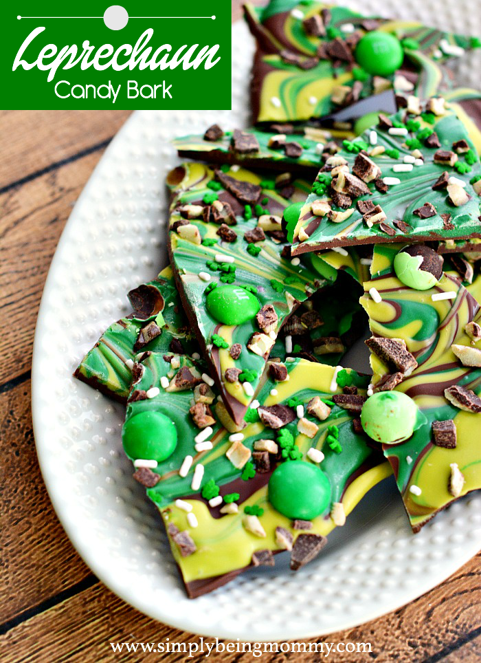 Celebrate St. Patrick's Day with this super easy Leprechaun Candy Bark recipe!