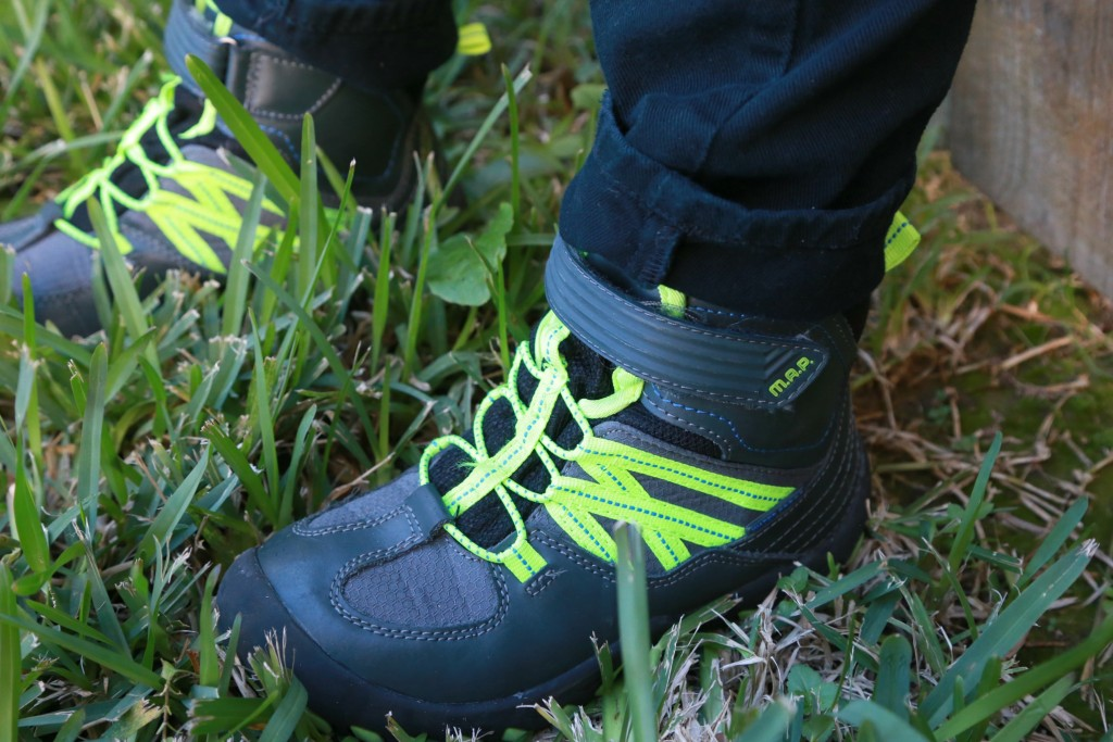 The MAPS Alps boots are stylish and ruggish, but durable enough to withstand the elements and boys. MAP Alps Boots Review // affordable boots for active little boys.