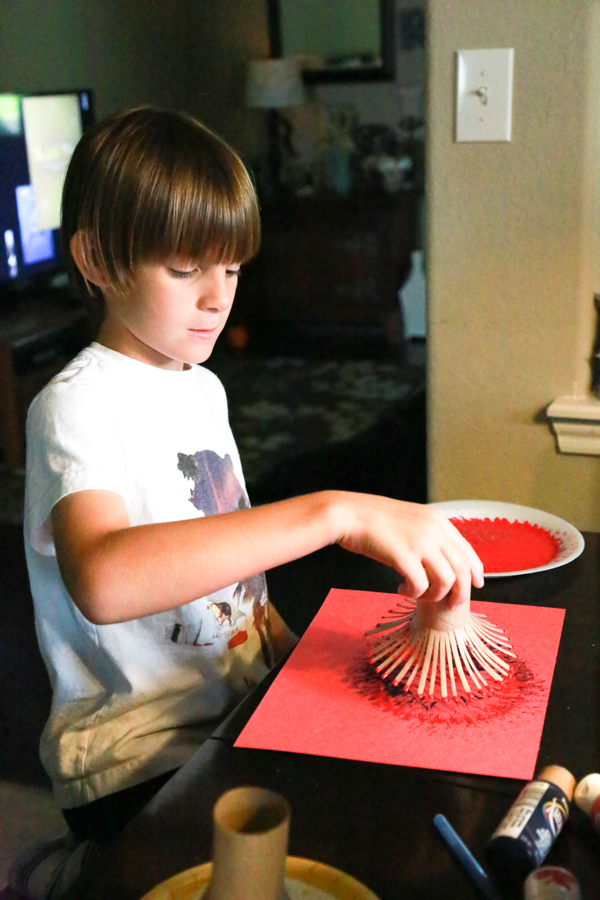 Have some spare time to craft with your kids? Try these Toilet Paper Roll Painted Fireworks to celebrate Independence Day.