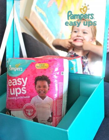 Have a toddler? Thinking about potty training? Here are some signs that I knew my toddler was ready for Pampers Easy Ups.