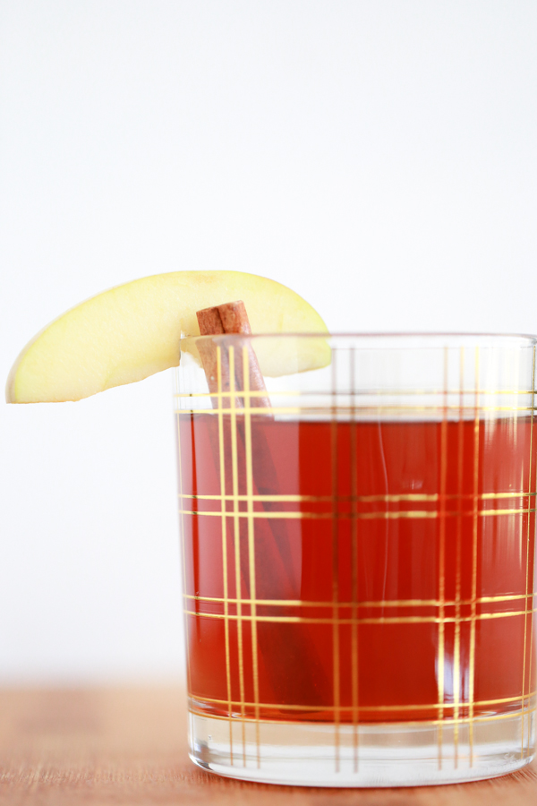 We're welcoming in fall with this delicious, warm Autumn Apple Tea. It's the perfect cold weather drink.