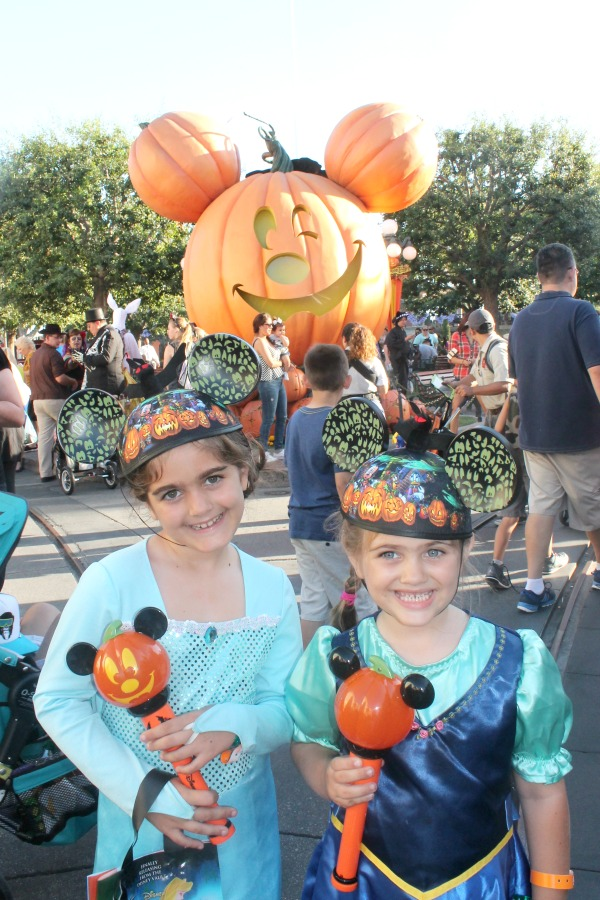 Mickey's Halloween Party is fun for the whole family. See how to manage Mickey's Halloween Party with Toddlers in tow.