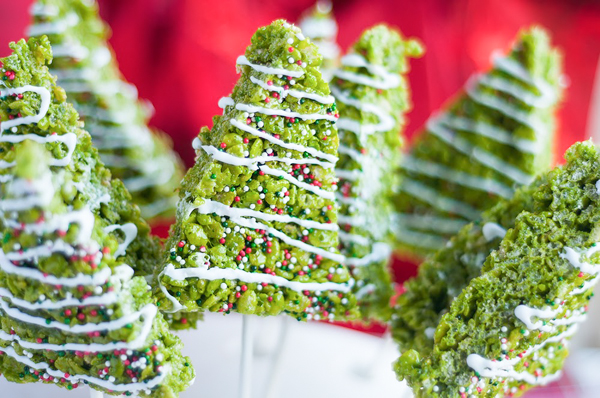 its christmas time in the city celebrate with these adorably festive christmas tree rice krispies - Rice Krispie Christmas