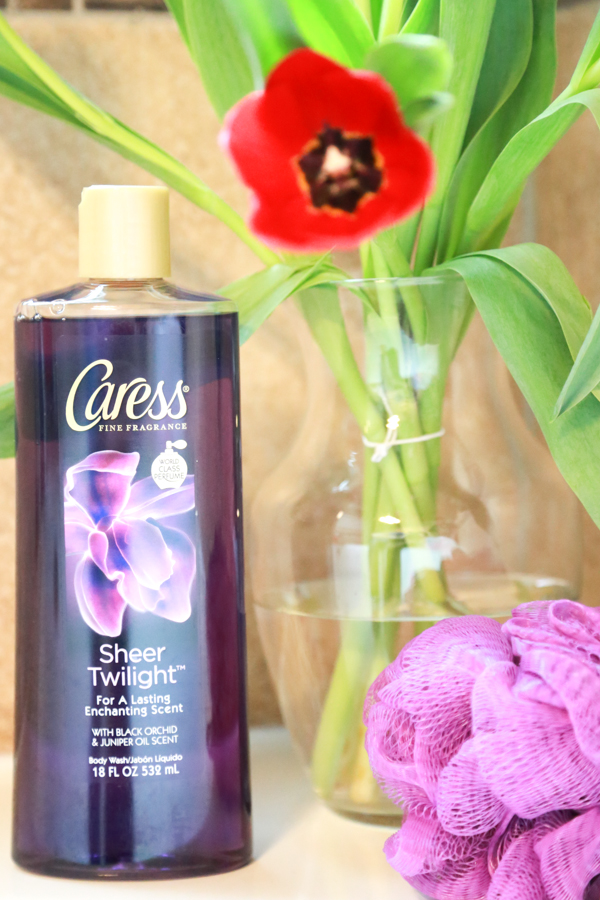 Make it feel like spring in your bathroom with the new Caress body wash bottles. The fragrances will remind you of all the floral hints of spring.