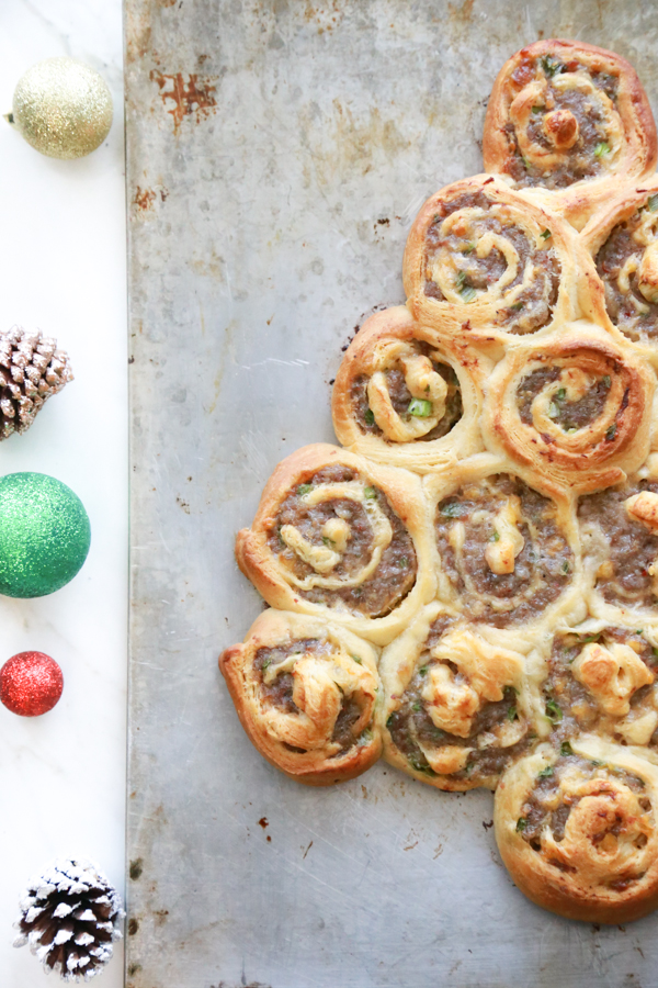 Get festive with a Sausage Rollup Christmas Tree. With just 4 ingredients you can make this delicious holiday appetizer.