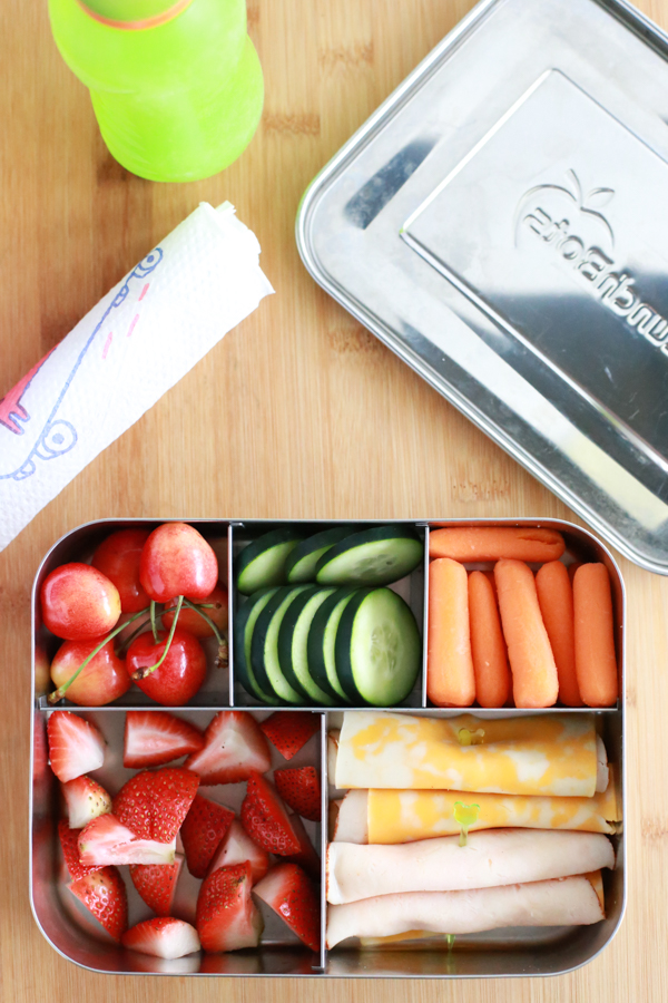 Summer is winding down and the new school year is upon us. Get ready for back to school lunches with tips for making a healthy school lunch.
