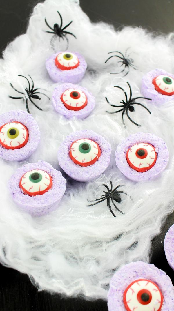 spooky halloween bath bombs