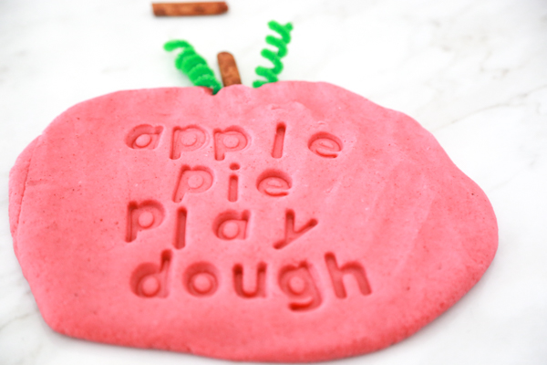how to make apple pie play dough