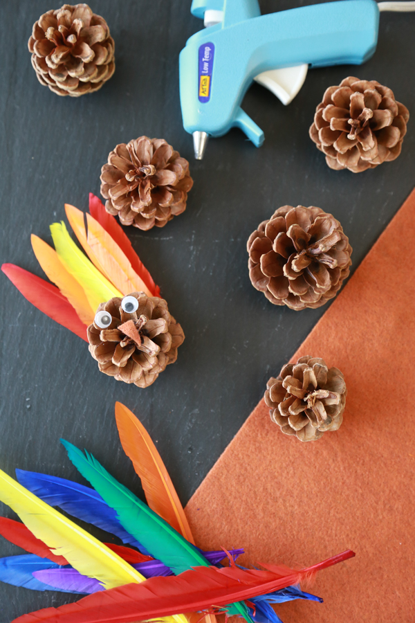 how to make pinecone turkeys with feathers