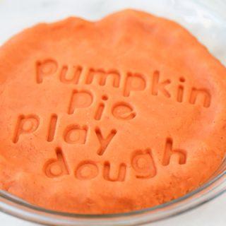 how to make pumpkin pie play dough