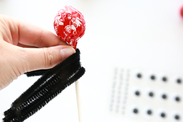 how to make a tootsie spider pop