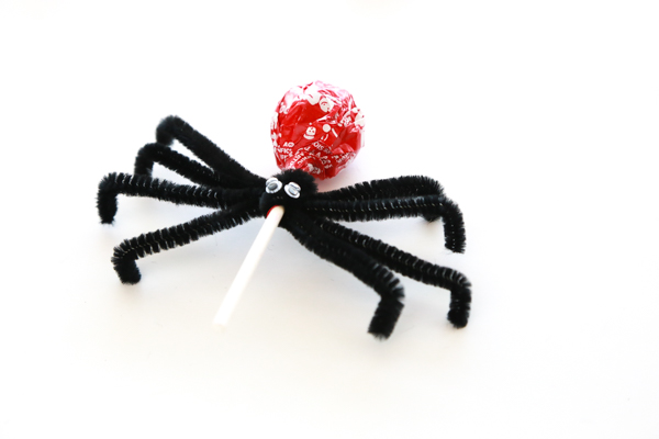 how to make a spider tootsie pop