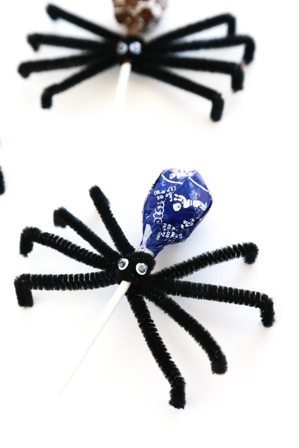 spider tootsie pops