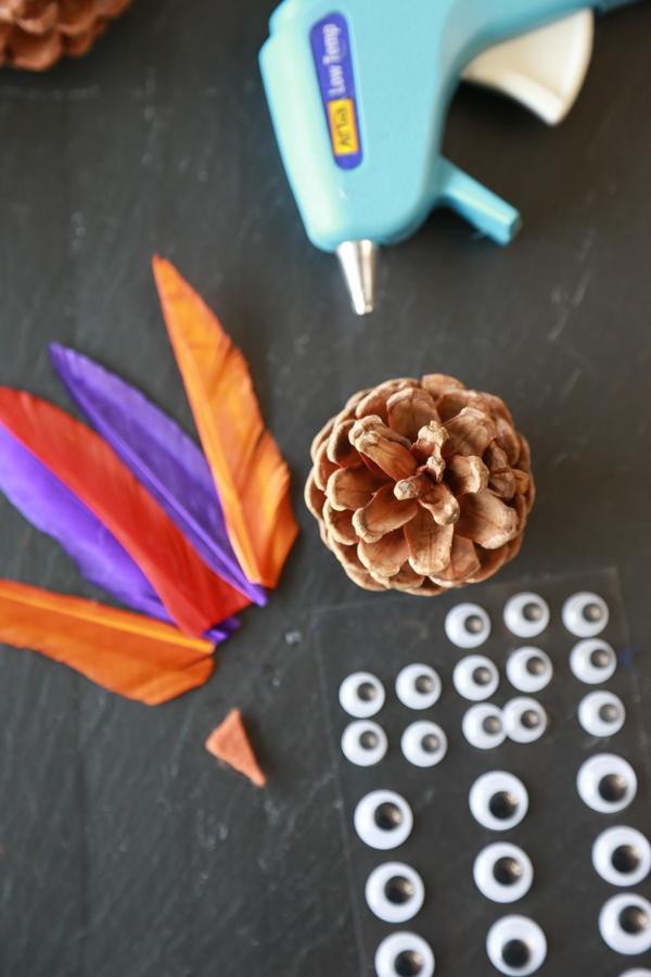how to make turkey pinecones