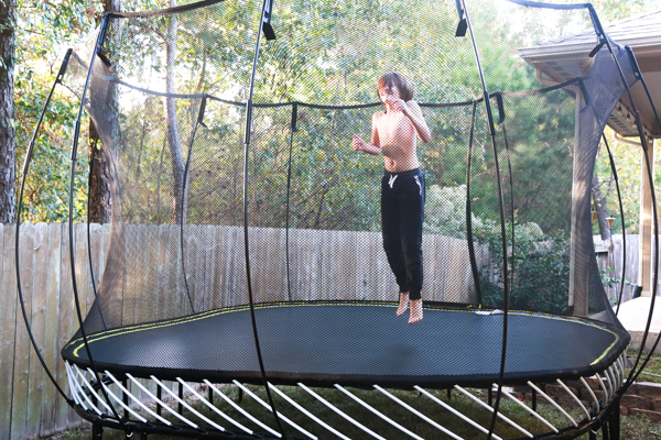 It's really easy to be obsessed with things beyond our control. It's likely that I'm the World's Worst at it. But I'm not letting those things bring me down this year, y'all. My family and I are taking a time out with Springfree Trampoline this holiday season by keeping things simple and fun.