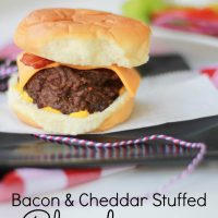 Bacon & Cheddar Stuffed Cheeseburgers